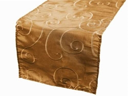 Bienvenue swirls table runners</a///////>
